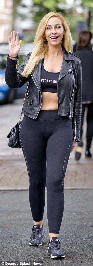 Josie Gibson sports tiny crop top with skin-tight leggings