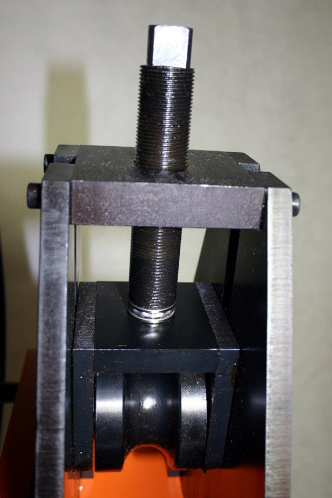 RB38/2 Dual-Drive Tube Roller