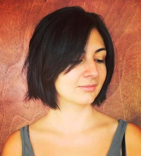 layered bob with side bangs