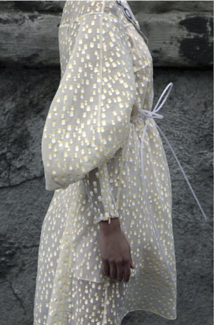 "kleidersachen: "" Vika Gazinskaya via Style Bubble """