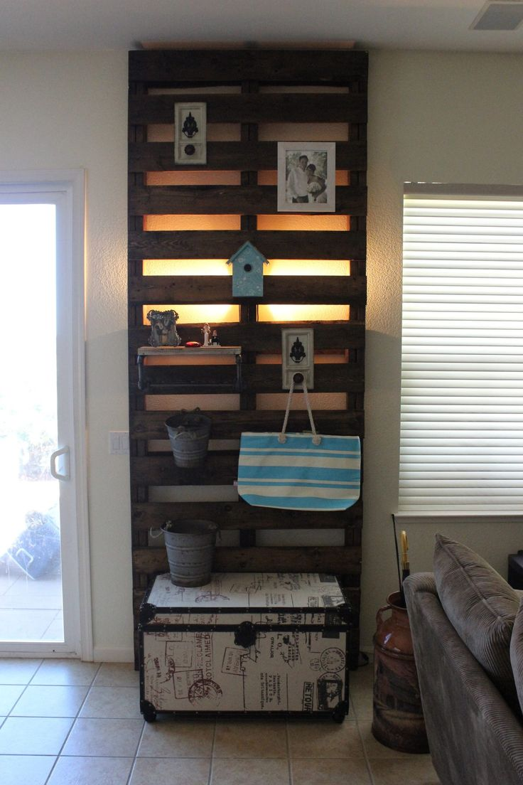 Decorative wall piece from an old pallet
