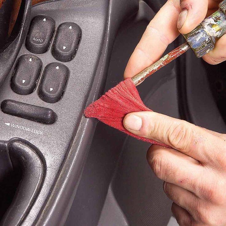 10 astuces pour nettoyer tous les recoins de votre voiture noté 4 - 9 votes 6/ Produit anti-taches et machine à laver Rien de mieux que quelques gouttes de produit anti-taches et une machine à laver pour rendre vos carpettes comme neuves ! 7/ Feuille d'assouplissant textile Prenez une feuille d'assouplissant textile, humidifiez la et...