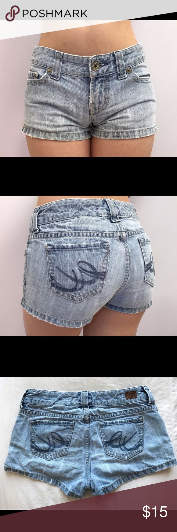 Express X2 Cute Jean Shorts A great addition to any closet, goes with everything! Worn a bit, there's a bit of fraying, but it's barely noticeable. There are five pockets - 3 in the front, 2 in the back Express Shorts Jean Shorts
