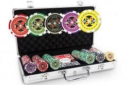 Mallette Ultimate Poker Chips 300 jetons - Pokeo.fr - Mallette de poker en aluminium 300 jetons Ultimate Poker Chips en PP stické 11,5g + 2 jeux de cartes en carton plastifié + 1 livret de règles du jeu Pokeo.