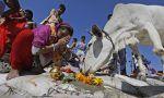 Menyembeli sapi di India bisa dipenjara seumur hidup  GUJARAT (Arrahmah.com)  Pemimpin di sebuah negara bagian di India telah mengumumkan bahwa menyembelih sapi dan mengangkut daging sapi akan segera dihukum dengan hukuman seumur hidup.  Kepala Menteri Gujarat Vijay Rupani mengatakan bahwa pemerintahnya akan memperkenalkan RUU tersebut pekan depan untuk memperkuat hukum yang ada terhadap pemotongan sapi dan kejahatan terkait. Hukuman bagi pemotong sapi saat ini adalah denda 50 ribu rupee…