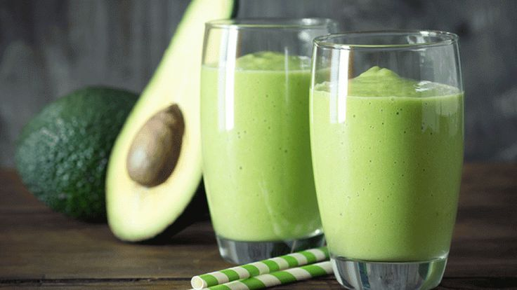 The 28-Day Shrink Your Stomach Challenge Avocado Smoothie | The Dr. Oz Show{| Make this breakfast smoothie recipe to help flatten your stomach.