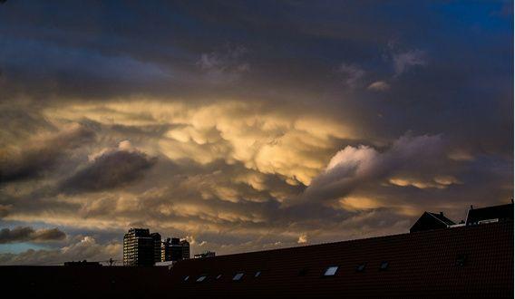 Verkrijgbaar in de webshop: Clouds after the storm - Zoetermeer.