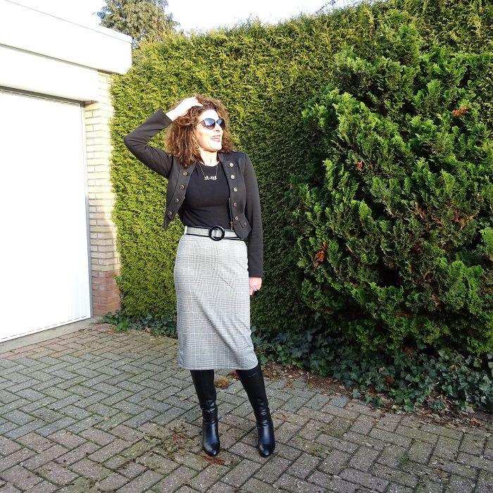 dde29b0c9a90df What does a retro dress look like & Fancy Friday linkup |