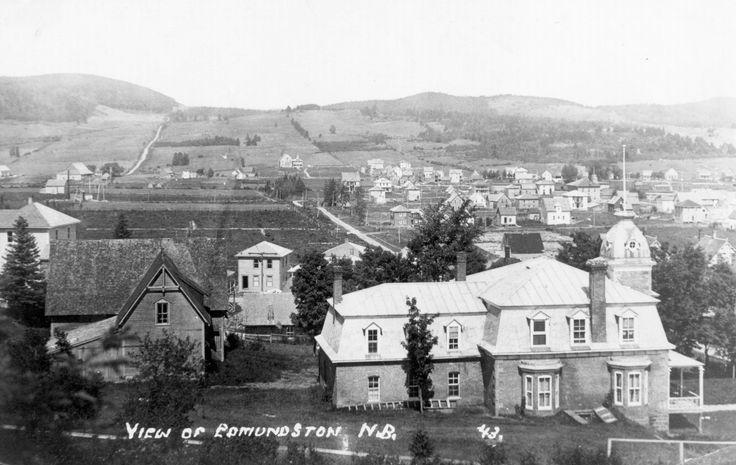 l'usine Fraser n'apparaît pas sur la photo. La grande maison de brique rouge avec toit en tôle et une petite tour, d'abord la propriété de Patrick Lynott puis de John Lynott, fut construite en 1878.