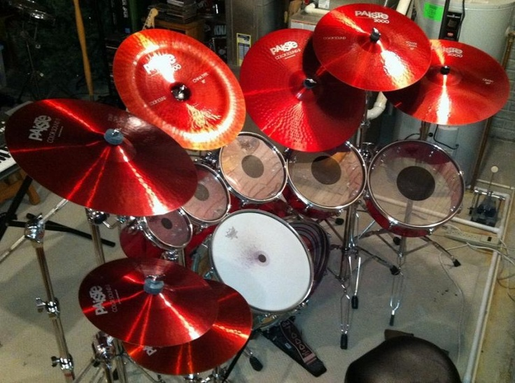 Even the cymbals are red!