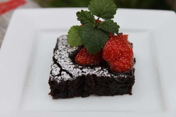 Brownies uten egg. En GOD brownie uten egg!! (kjerstisandnes) Thank you, so gonna try this ;) no egg, no milk