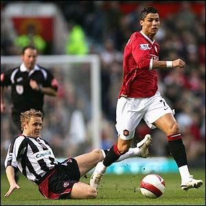 Man Utd 2 Sheffield Utd 0 in April 2007 at Old Trafford. Cristiano Ronaldo takes on and beats his marker #Prem