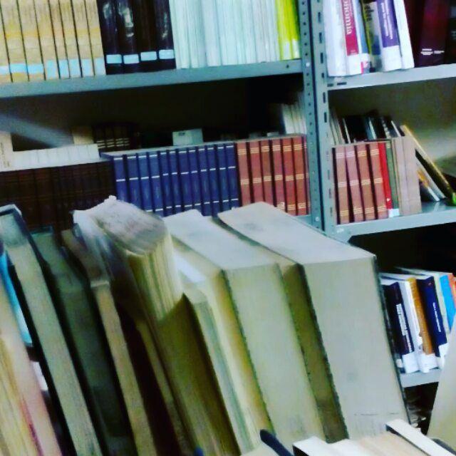 En el trabajo. Sea usted feliz  y viva usted en paz !! #atjob #librarian #mexico #Cdmx  #usa  #China  #japan  #uk  #france  #visitmexico #biblioteca #video #Argentina  #Brasil  #peru  #Chile  #panama #Paraguay #egypt  #sudafrica #Nigeria #España #catalunya #Cuba #dubai  #Israel  #India #Australia  #newzealand  #canada