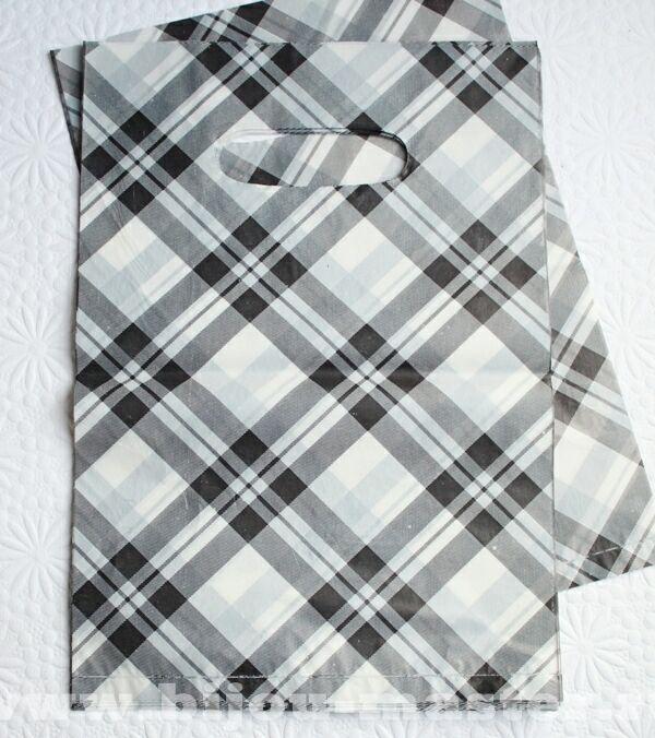 Пакет подарочный п/э бело-серо-черная клетка 23ммх15,5мм