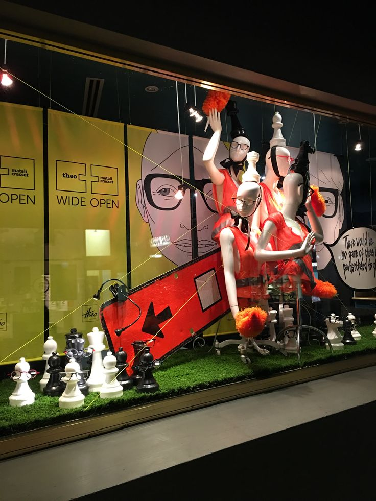 """MORTIMER HIRST, High Street, Auckland CBD, New Zealand, """"There will be no game of Chess if the Pawns refused to play..."""", created by Ton van der Veer"""