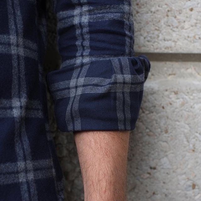 How to roll a casual sleeve cuff #photography @unfit4slavery #dailygoods #unitedstockdrygoods #plaidshirt #menstyle #menswear #mensfashion #streetstyle