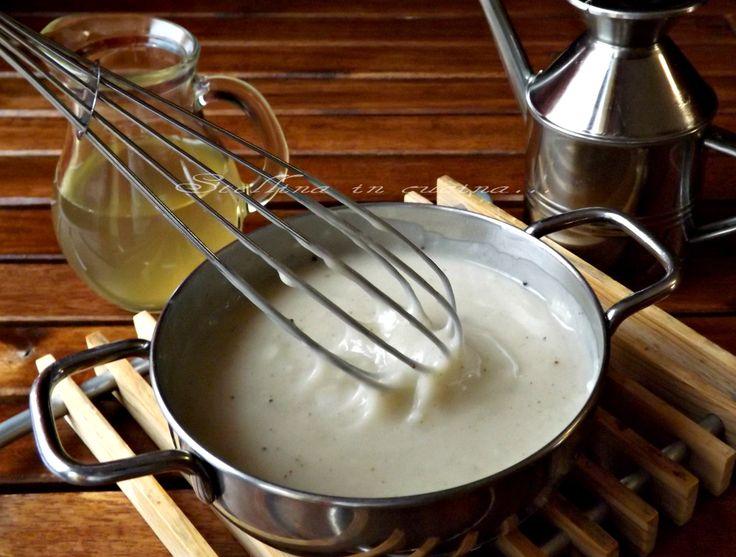 La Besciamella light, completamente vegetale, ottima per rendere gustose anche le verdure bollite, perfetta per primi o secondi piatti leggeri.