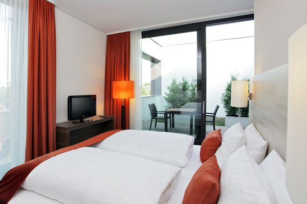 Blick in eines der Hotelzimmer / View into one of the hotel rooms | H4 Hotel Münster City Centre