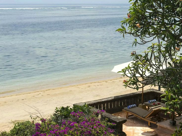 www.geriabalivillas.com/villa-batujimbar/ #sanur #bali #geriabali #balivilla #beautifuldestinations #villa #travellerworld #villainbali #ootd #luxurypersian #luxuryvilla #tgif #theluxurylifestylemagazine #hgtv #sanurvillas #villainsanur #wtm #trulyasia #destinosmaravilhososbyeli #instagram #facebook #fotooftheday  #villas #balilife #wonderfulindonesia #travel  #sassychris1 #holiday #weddingvillas #wedding