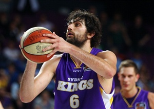 Sydney Kings v Wollongong Hawks live streaming basketball is available on Saturday from the National Basketball League.