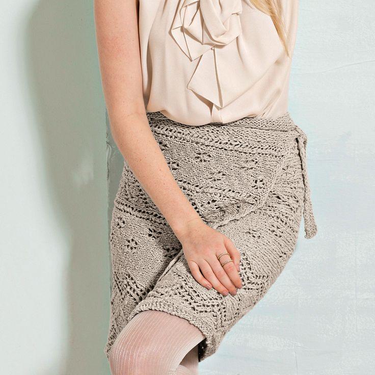 Связанная поперек юбка с запахом