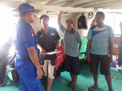 Sat Polair Polres Kepulauan Seribu Cek Alat Keselamatan Kapal Tradisional Pengangkut Penumpang