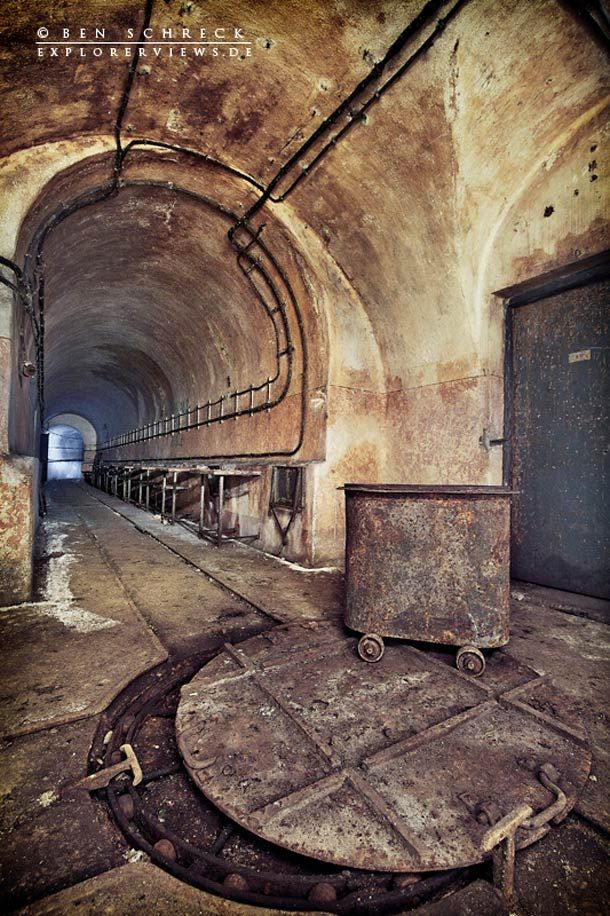 Urbex – Les bunkers abandonnés de la Ligne Maginot > Wow! Creepy but beautiful!