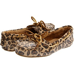 leopard print sperry slippers. LOVE.