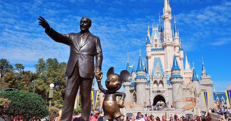 """Est que'on aura du nouveau côté Formule de repas chez Disney? Ils sont en train de tester l'option qui s'appelle """"1 day Disney Dine on..."""