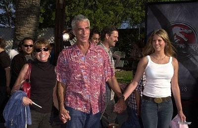 .Sam Elliot, his wife and daughter