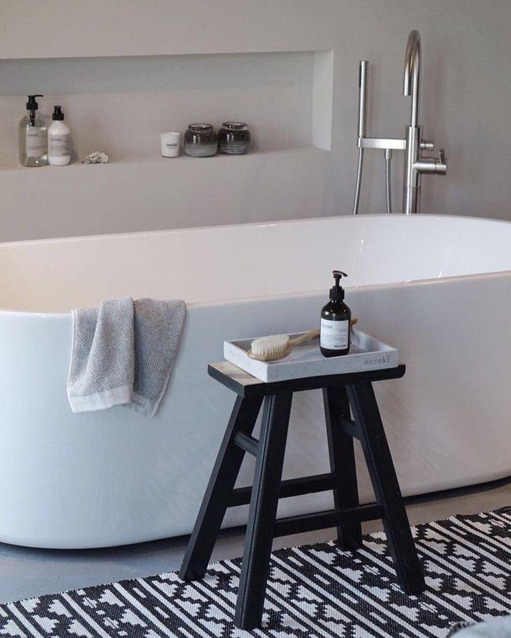 Modern bathroom inspiration bycocoon.com | bathroom design products | inox stainless steel bathware | freestanding bathtubs | renovations | interior design | villa design | hotel design | Dutch Designer Brand COCOON