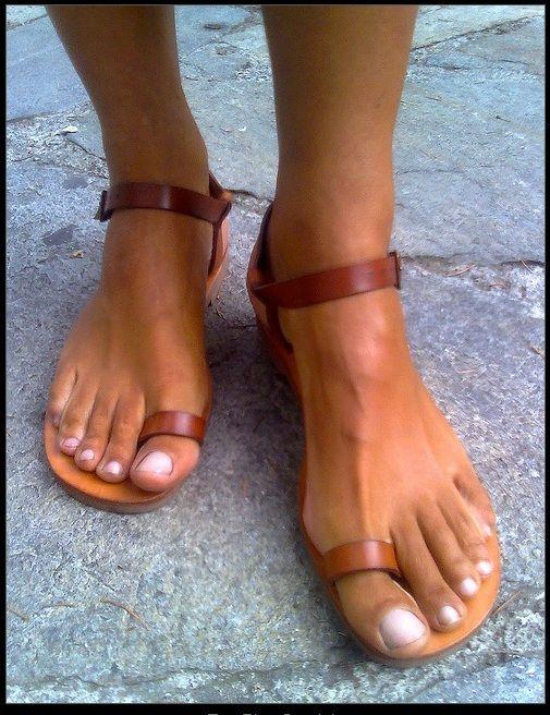sexy toe-loop sandals