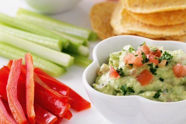 Гуакамоле с овощными палочками