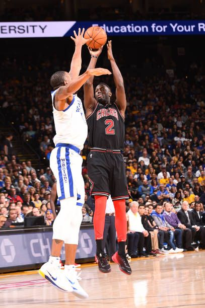 Jerian Grant of the Chicago Bulls shoots the ball against the Golden State Warriors on November 24 2017 at ORACLE Arena in Oakland California NOTE TO...