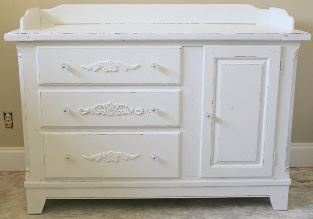Urban Cottage Decor: Shabby Chic Nursery Changing Table