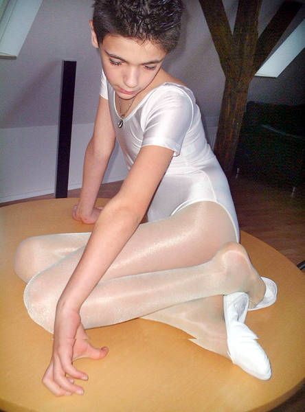 Why teen boys in pantyhose Body
