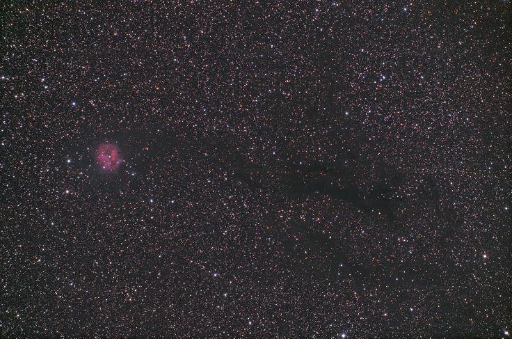https://flic.kr/p/LA6fBT | 2016 IC5146 Aut+Aut with Scopos APO TL805 + WO 0.8X + 550D | IC5146  (Caldwell 19, Sh 2-125, nebulosa Bozzolo) è un ammasso aperto associato ad una nebulosa diffusa molto piccola a forma di Bozzolo nella costellazione del Cigno che dista circa 3300 a.l. A sua volta è connessa ad un sistema di nebulose oscure catalogato con la sigla B168 e reso visibile perchè oscura un fitto campo stellare. Non pensavo che questo oggetto DS fosse così ostico. Malgrado…