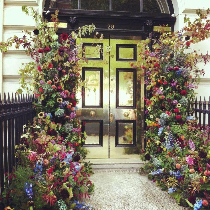 Wedding Flowers Cairns: 27 Best Bespoke Cakes Images On Pinterest