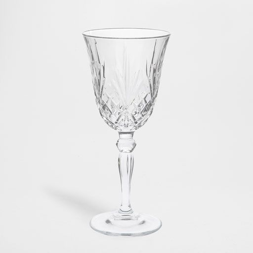 Κλασικό σκαλιστό ποτήρι νερού