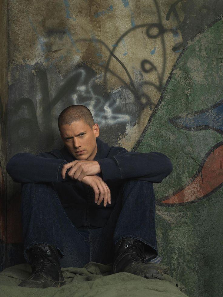 Wentworth Miller as Michael Scofield in #PrisonBreak - Season 3