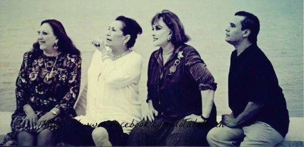 Lola y sus amigos. Amalia Mendoza, Lucha Villa y Juan Gabriel.