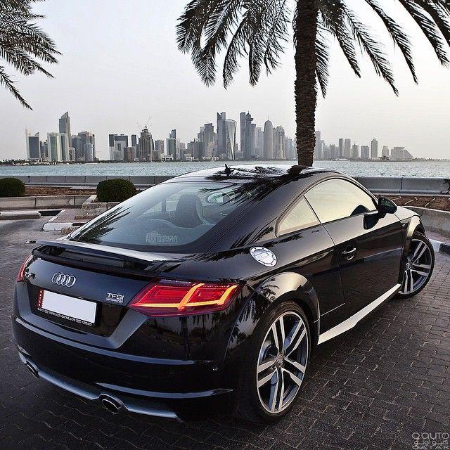 Now let's focus on the rear of the new TT. To me, it's a evolutionary progress that fits the car perfectly Car: 2016 @Audi TT TFSI quattro Stronic S-line (230hp, 2.0 Turbo) Color: Mythos black metallic Performance: 0-100kmh 5,3sec (official) Location: Doha, Qatar Facebook: facebook.com/auditography Camera: Canon Eos 5D Mark II Lens: 24-70mm Thanks to: Audi Qatar (@audiqatar) #auditography #audi #tt #newtt #ttmk3 #coupe #sportscar #quattro #caroftheday #photooftheday #qatar #doha #tuning…
