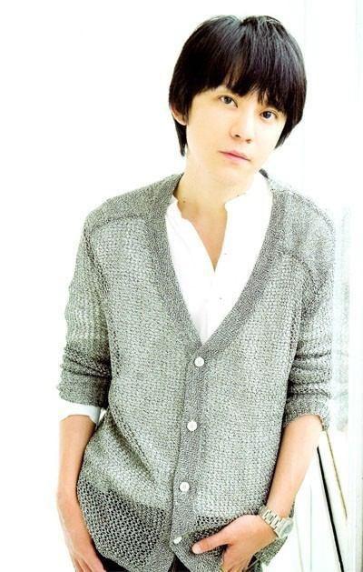 Japanese singer. Subaru Shibutani. He is so cool.