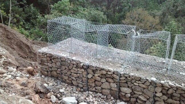 Fabricacion de estabilizacion con muro gavion en la - Muros de gavion ...