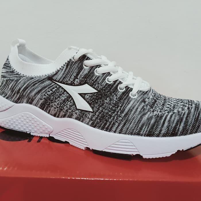 Sepatu Running Diadora Levio Grey White Original Diadora Levio