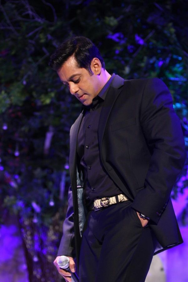 salman khan  to get more hd and latest photo click here http://picchike.blogspot.com/