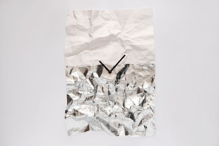 NEW TIME // wall clock / silver / design: Veronika Szalai / photo: Péter Magyar