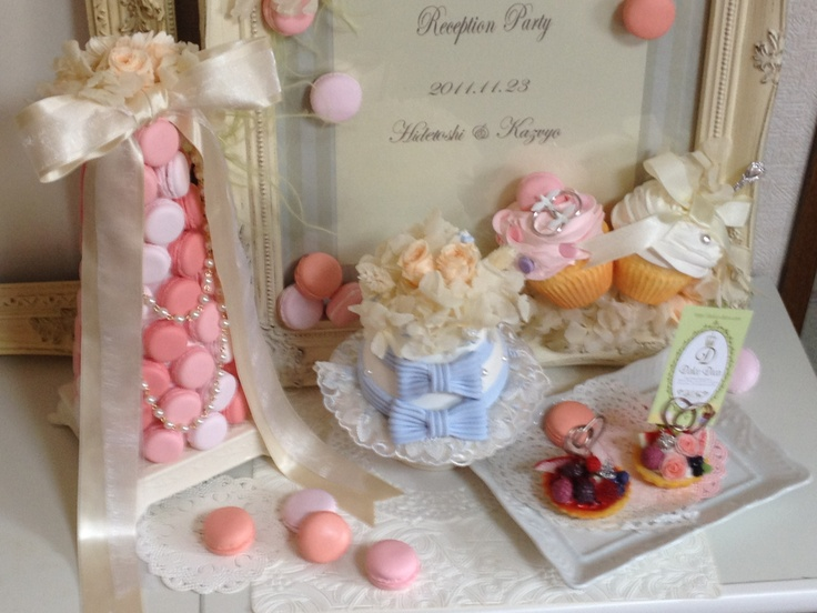 Dolce Deco for Wedding items ! Welcome board, ring pillow, card stand, macaron tower