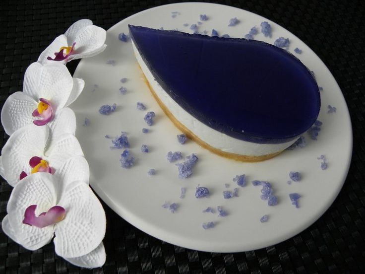 Tarta mousse de caramelos violetas