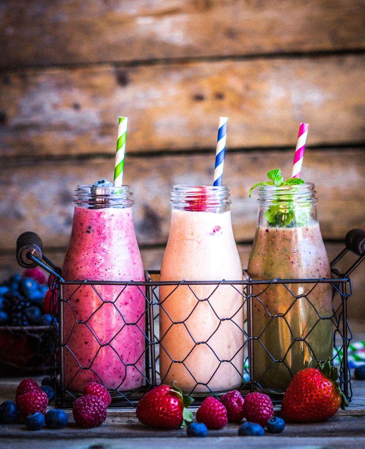 In de zomer hebben we altijd zin in frisse en fruitige drankjes. Smoothies zijn dan ideaal! Je kunt ze makkelijk maken én meenemen. Maar weet jij hoe je echt een goede en lekkere smoothie maakt? Hét stappenplan voor een lekkere…